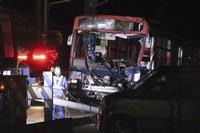 路線バス衝突、10人けが 新潟の市道交差点