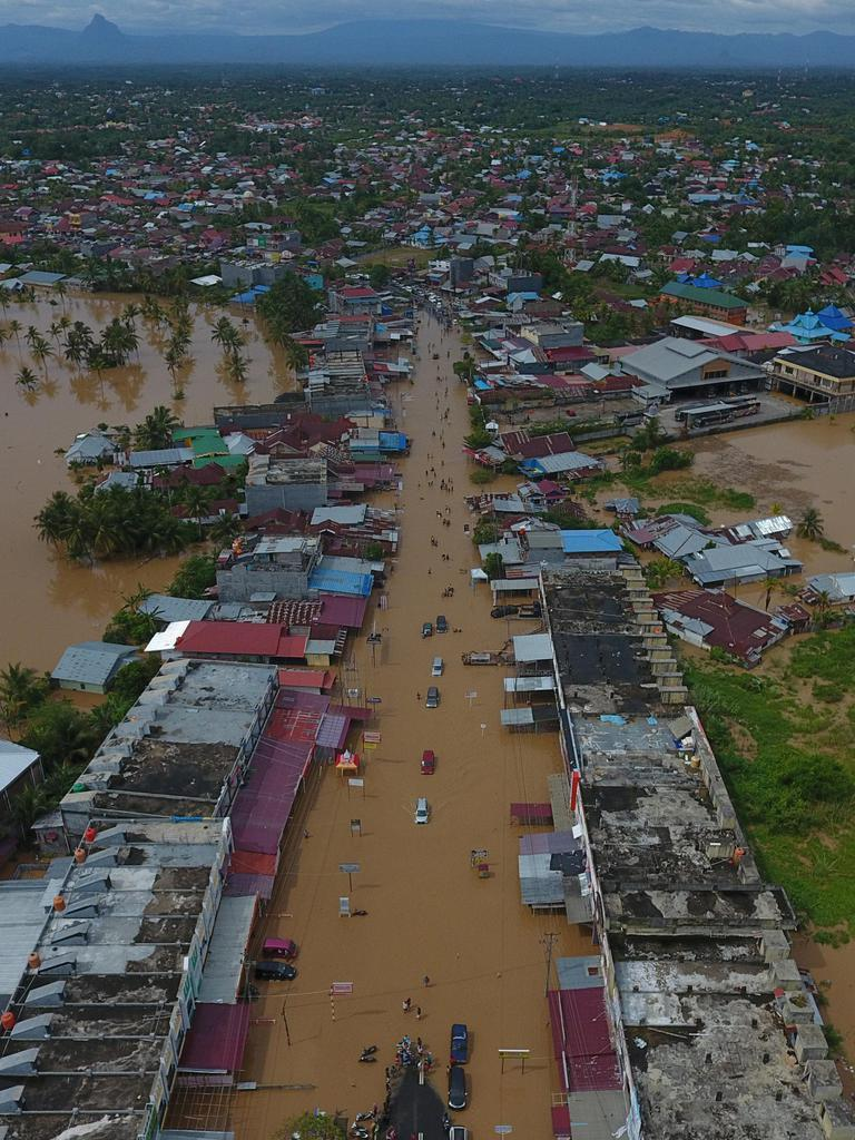 洪水と土砂崩れで29人死亡 インドネシア - 産経ニュース
