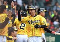 阪神の新人コンビ、近本と木浪が躍動 「令和」の時代につなぐ勝利