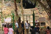 タイ・サッカー少年救出跡の洞窟が観光名所に 映画制作も