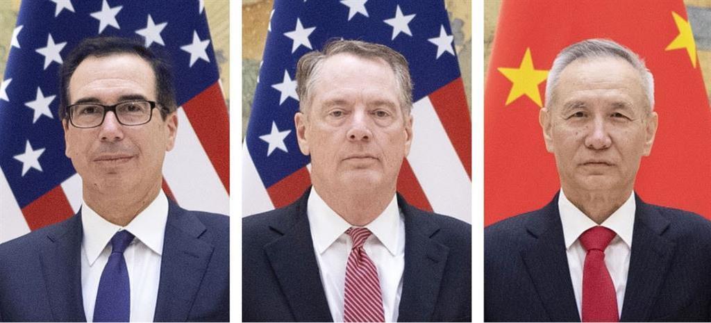 (左から)ムニューシン米財務長官、ライトハイザー米通商代表、中国の劉鶴副首相(いずれも新華社=共同)