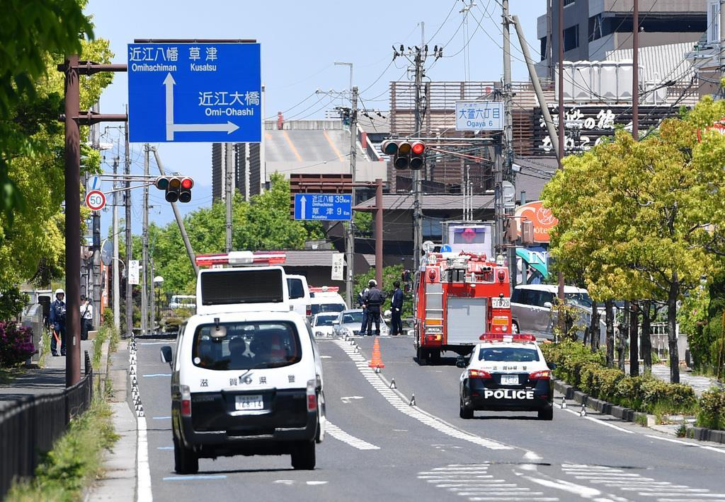 大津で園児の列に車が突っ込む事故が発生した現場付近 =8日午前11時55分、大津市(永田直也撮影)