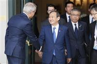 菅長官、ペンス米副大統領と会談 沖縄負担軽減へ米軍再編で連携