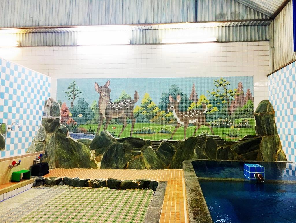 女湯の「バンビ」のタイル絵が銭湯好きの間で人気を集めていた