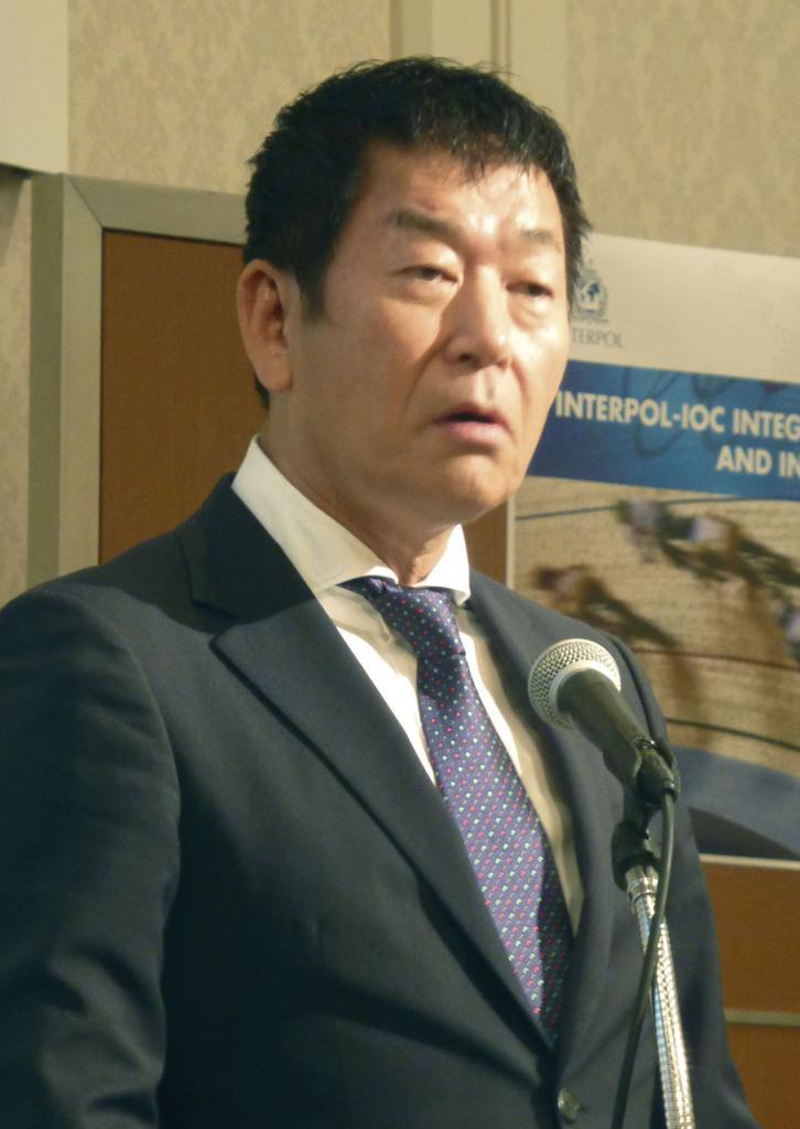 会合で基調講演する国際体操連盟の渡辺守成会長=15日午前、東京都港区