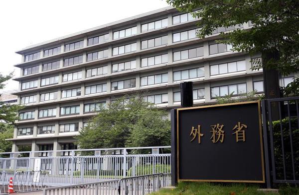 外務省庁舎外観=2017年7月29日(古厩正樹撮影)