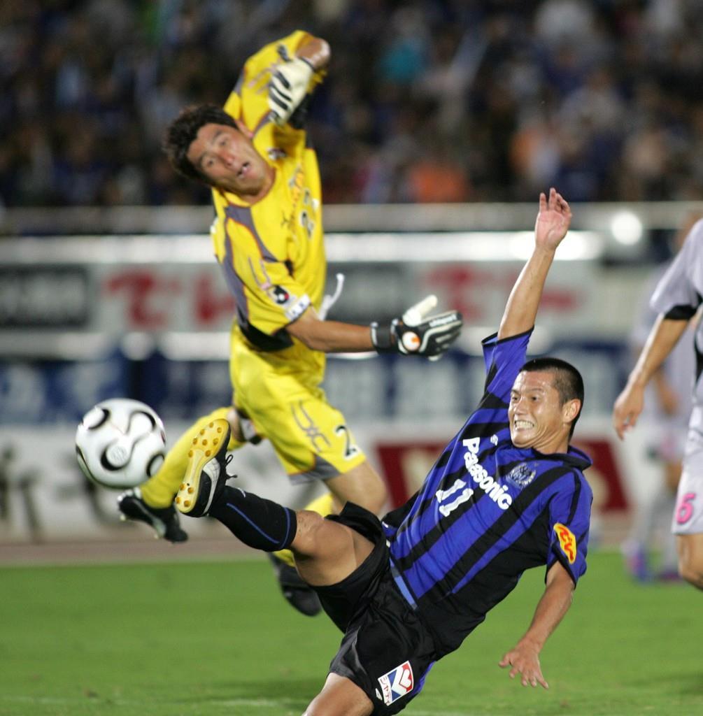 2006年の大阪ダービーでプレーする播戸竜二。この試合で2ゴールを挙げた(山田喜貴撮影)