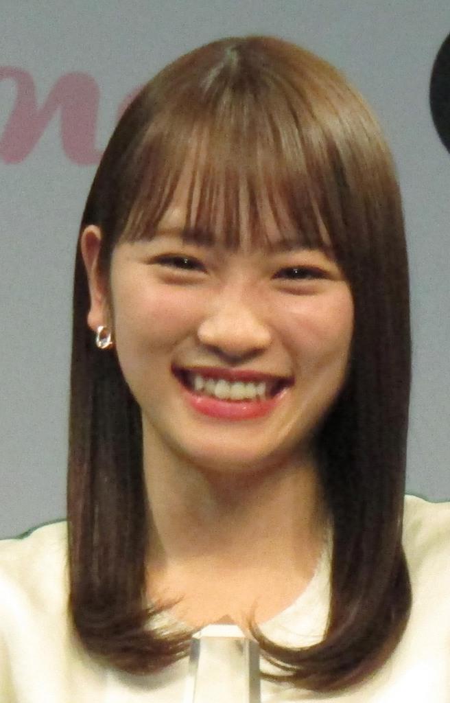元AKB48の女優、川栄李奈さん