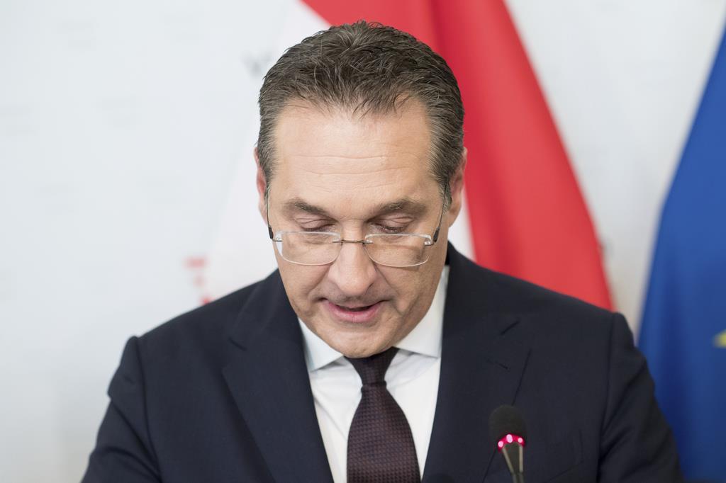 辞任した自由党党首のシュトラッヘ副首相=18日、ウィーン(AP)