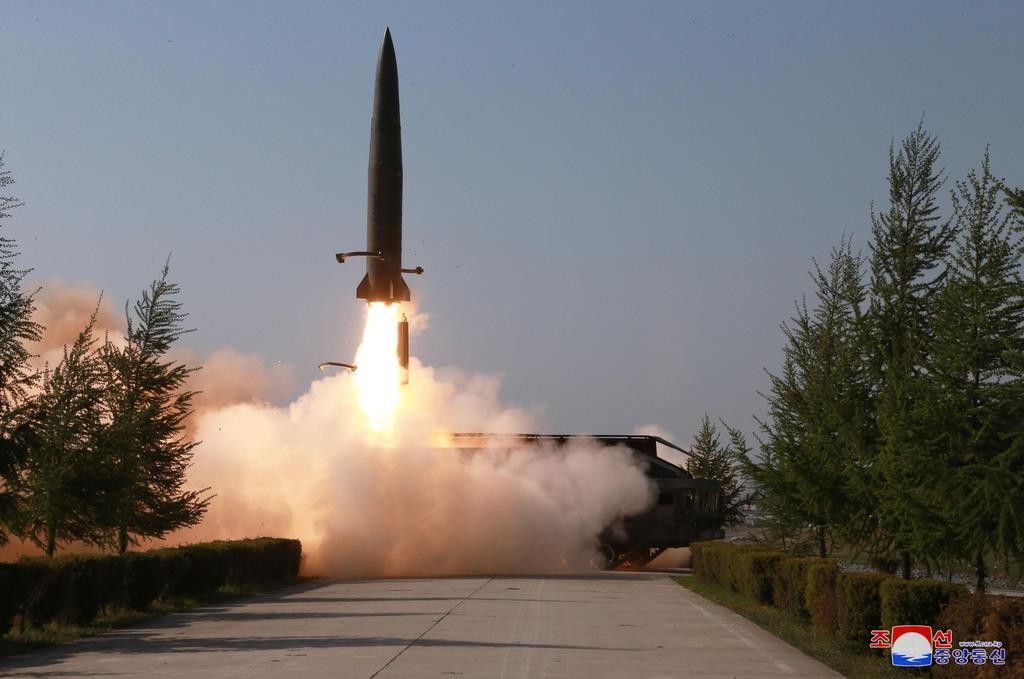 北朝鮮が9日発射した飛翔体。米国防総省は「弾道ミサイル」と断定した(朝鮮中央通信=共同)