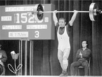 【PlayBack東京1964】10月12日 待望の金1号は重量挙げ三宅義信 「男がすたる」一気に