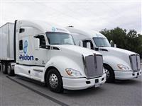 ほぼ自動で走るトラックの「隊列走行」、テストに同乗して見えた利点と課題