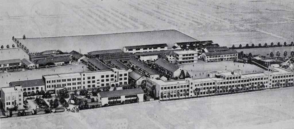 戦後のキャンパス(近畿大学提供)