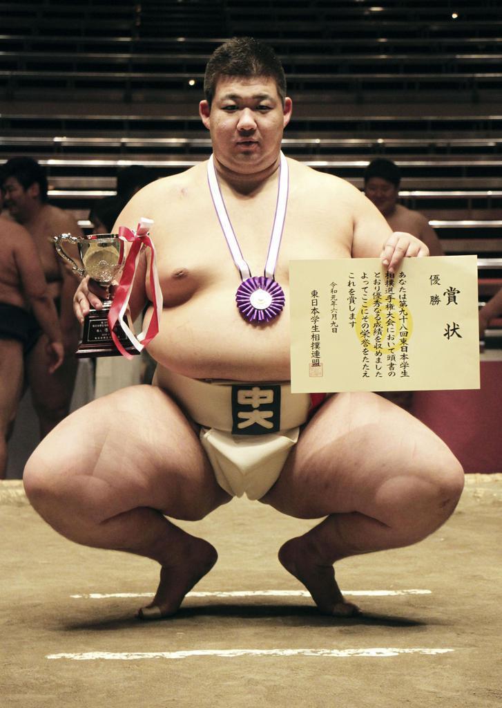 相撲の東日本学生選手権の個人戦で初優勝した中大の田中大介=両国国技館