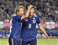 サッカー日本戦・速報(5)2得点の永井が右肩負傷か 大迫勇、山中、室屋がピッチへ