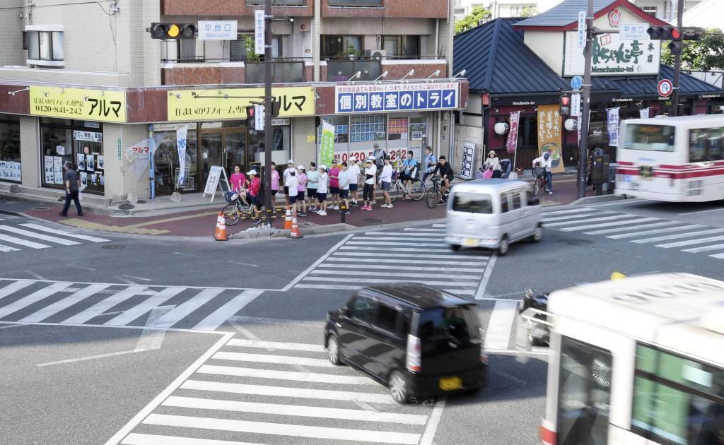 9人が死傷した多重事故のあった交差点