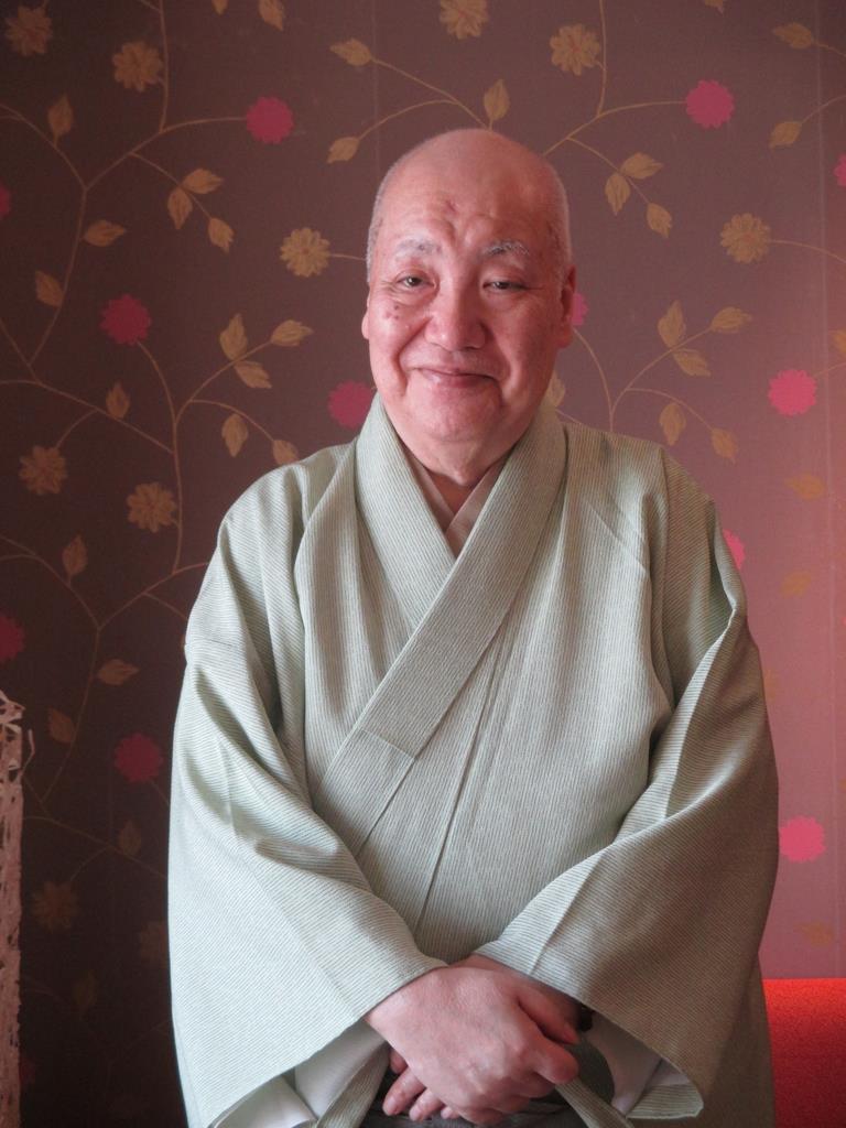 「老桜の精ということもあり、ある程度、年齢を重ねた能楽師が勤める方がいいでしょう」と話す梅若実玄祥=大阪市北区