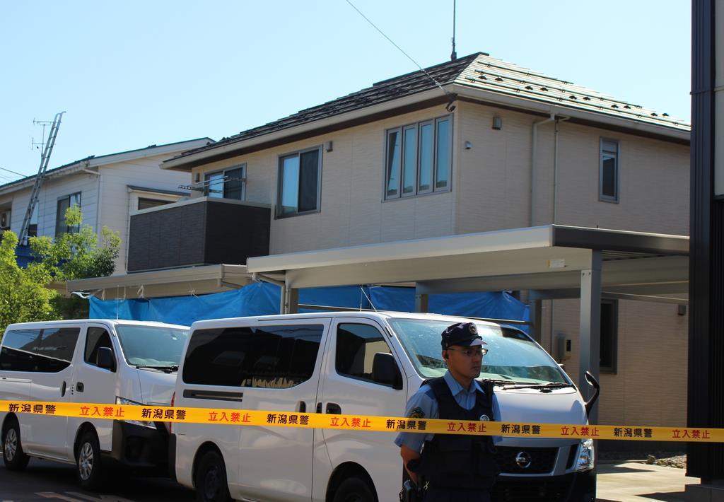 生後3カ月の女児が殺害された住宅。県警が家宅捜索を行った=13日、長岡市末広(池田証志撮影)