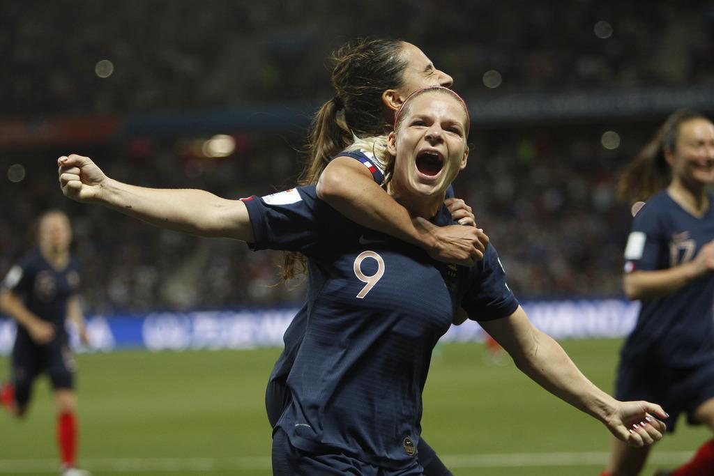 A組のフランスはノルウェーに2-1で競り勝ち、2連勝で勝ち点6とした=12日、フランスのニース(AP)