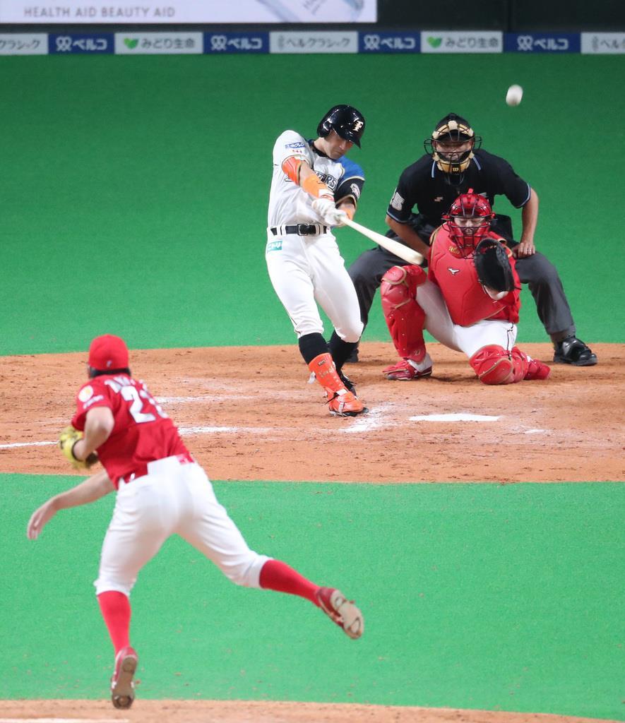 【プロ野球交流戦日本ハム対広島】12回 日本ハム・杉谷拳士が左飛に倒れ、ゲームセット。引き分けに終わった。投手は広島・中崎翔太=札幌ドーム(撮影・福島範和)