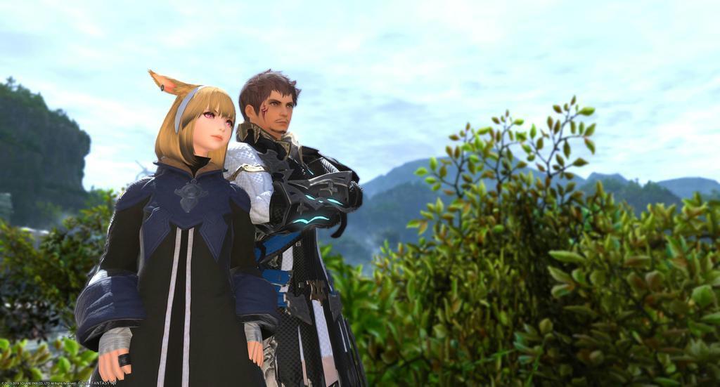 父(右)と息子。ゲームの中のキャラクターは友達になる。ただし、父親は、このキャラクターが息子だと知らない(提供写真)