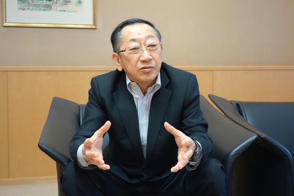 インタビューに応じるJR九州の青柳俊彦社長