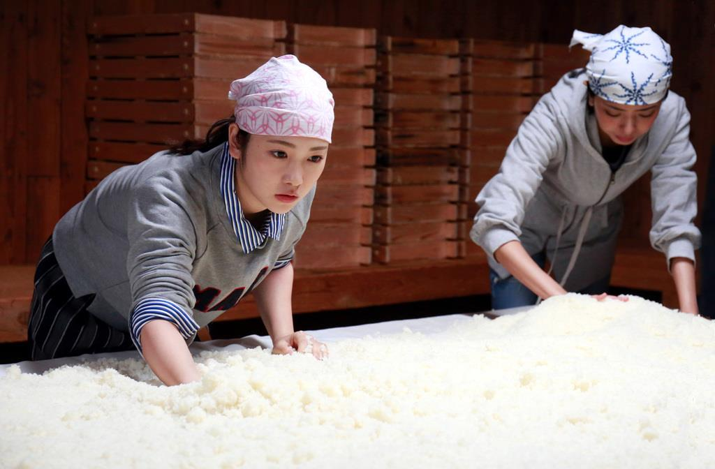 川栄李奈さん主演による映画「恋のしずく」のワンシーン。この作品は西日本豪雨で被災した広島県に人を呼ぶ力となった(「恋のしずく」製作委員会提供)