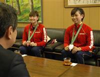 世界卓球銅 五輪へ勢い 佐藤、橋本両選手が市長表敬