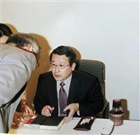 【話の肖像画】作家・江上剛(65)(9)49歳で早期退職、作家に