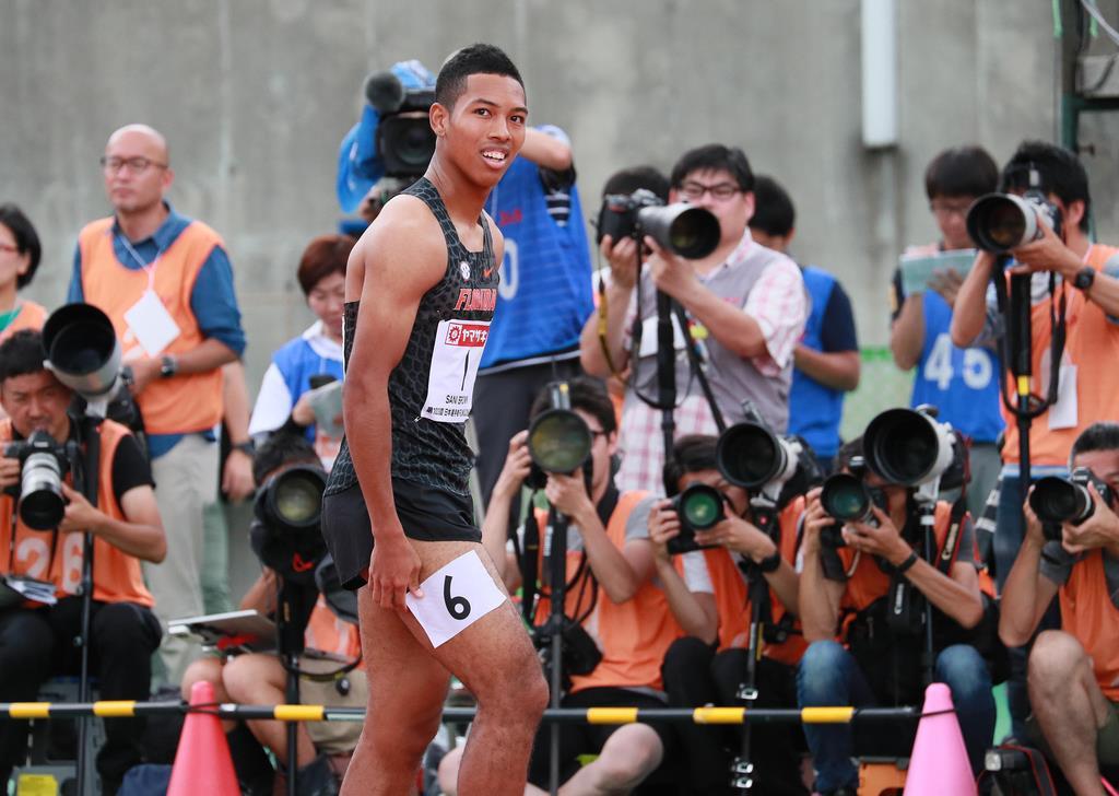 男子100メートル予選 予選を通過したサニブラウン・アブデルハキーム=博多の森陸上競技場(撮影・松永渉平)