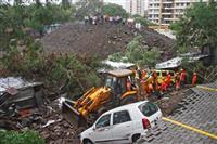 のり面崩壊、15人死亡 インド 小屋押しつぶす