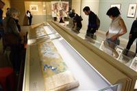 ニューヨーカーも「グレート!」 『源氏物語』展が人気のワケ
