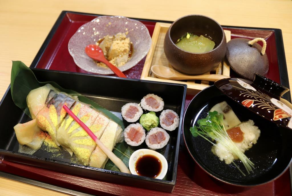 寿司常が期間限定で提供している「天神祭 船渡御膳」