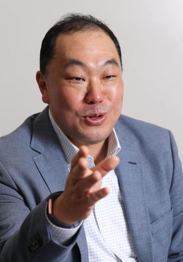 第6回公益財団法人国家基本問題研究所 日本研究賞の奨励賞を受賞した簑原俊洋・神大教授
