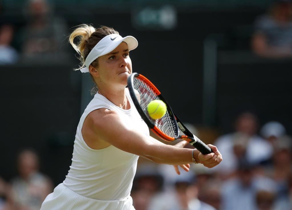 ウィンブルドン女子シングルス準々決勝でムホバを破ったスビトリナ=9日、英ロンドン郊外のオールイングランド・クラブ(ロイター)