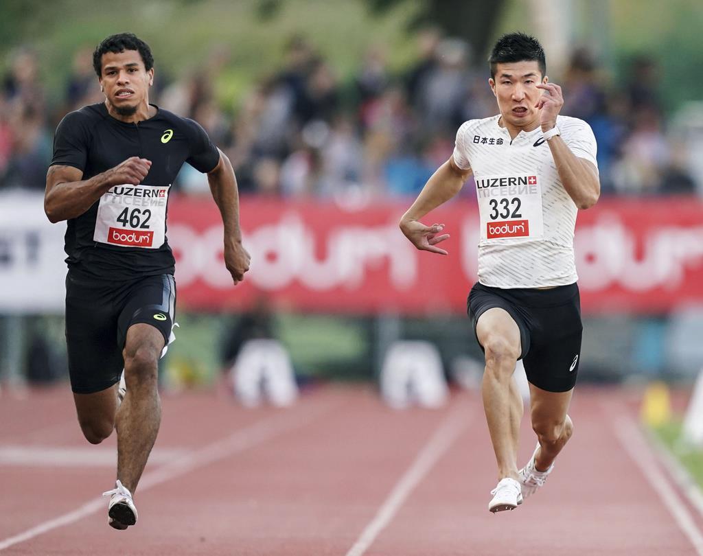 男子100メートル決勝で、10秒21の5位だった桐生祥秀(右)=ルツェルン(共同)