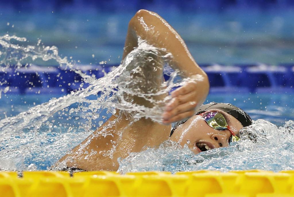 競泳女子800メートル自由形で優勝した小堀倭加=ナポリ(共同)
