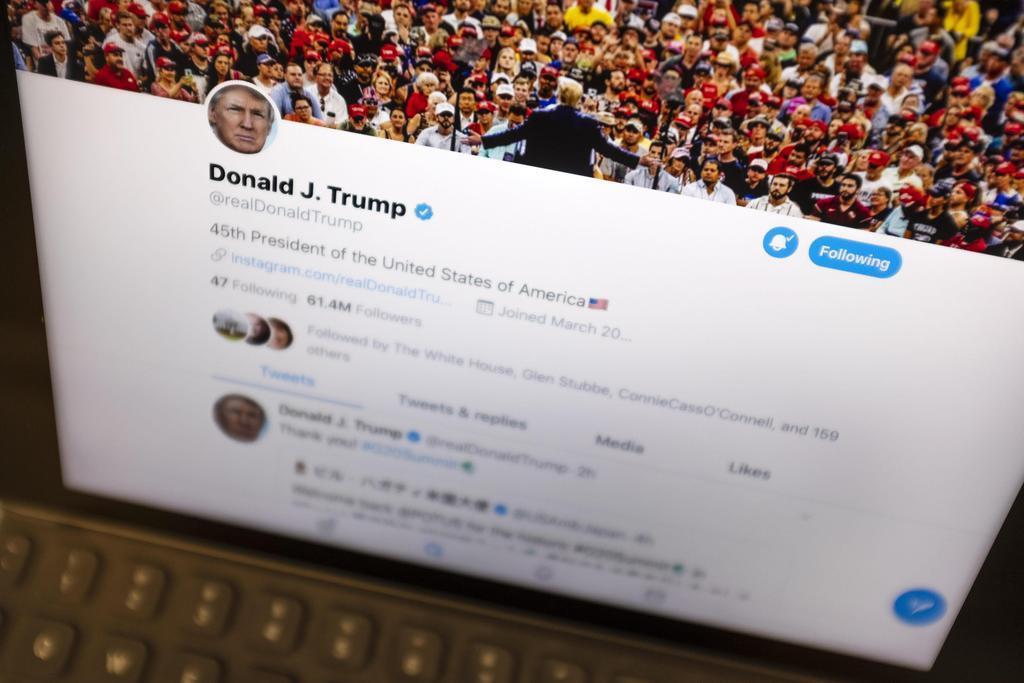 トランプ米大統領のツイッター画面=6月27日(AP)