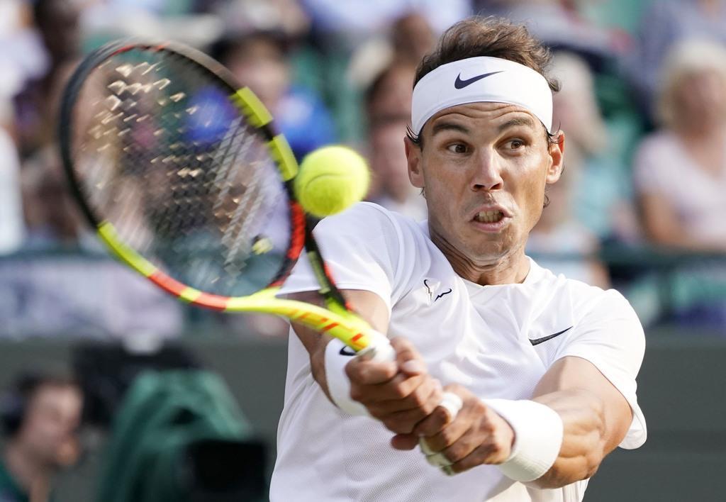 男子シングルス準々決勝 サム・クエリーと対戦するラファエル・ナダル=ウィンブルドン(共同)