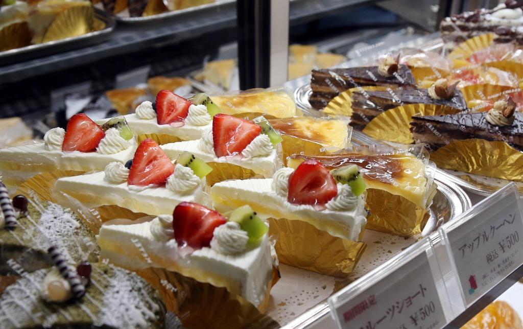 自社の「ケーキ工房ケテル」で作るイノダコーヒ人気のケーキ=京都市中京区(前川純一郎撮影)