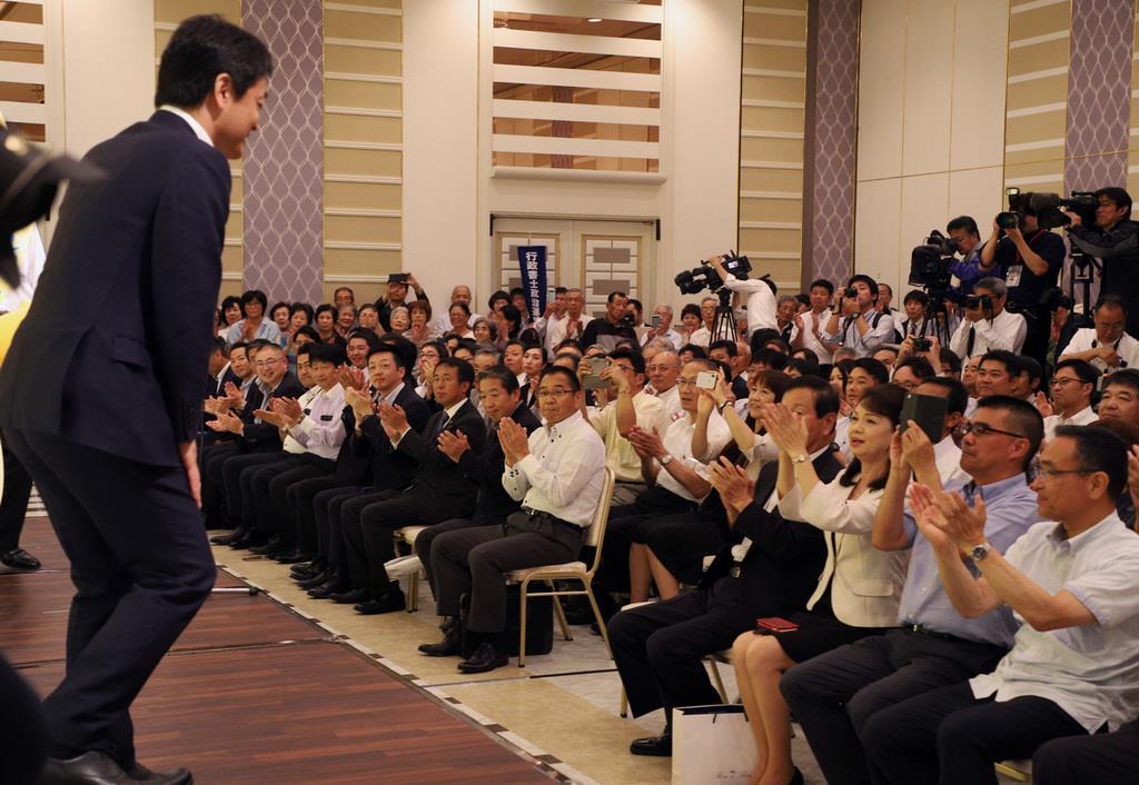 参院選静岡選挙区に出馬した候補の演説会は熱気に包まれた=7月4日(早坂洋祐撮影)