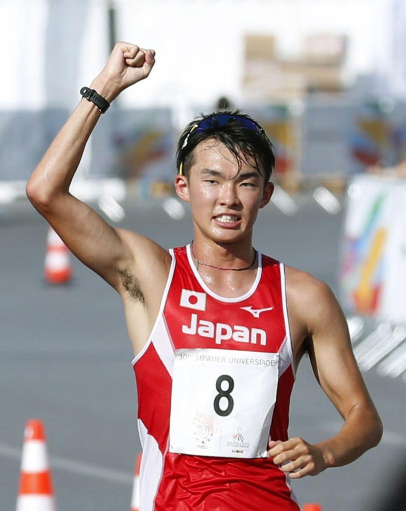 男子20キロ競歩で、2位に入った川野将虎=ナポリ