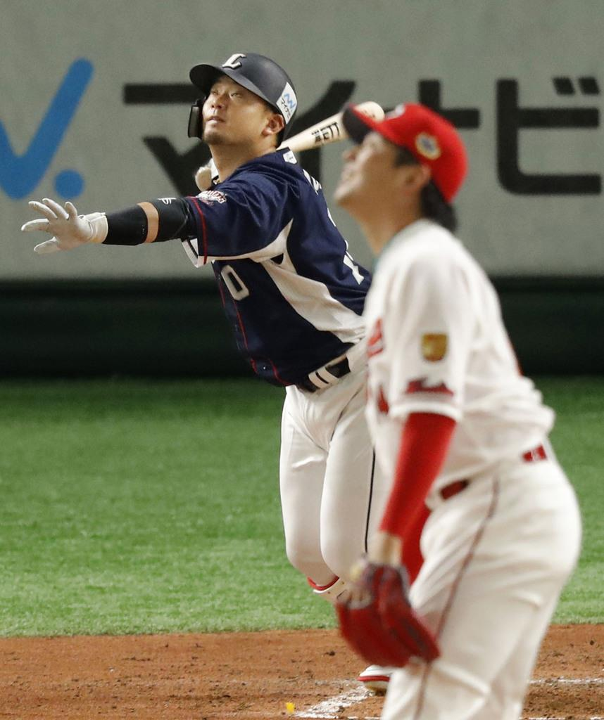 【全セ-全パ】二回2死一塁、西武の森が右越えに先制2ランを放つ=東京ドーム