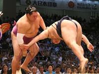 友風が最速金星 大相撲名古屋場所、鶴竜に土…白鵬と並ぶ