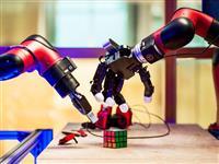 フェイスブックは、ロボットに「好奇心」を授けようとしている:新しいAIラボの現場から見…