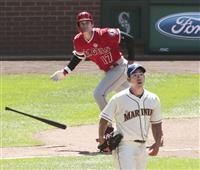 大谷が複数安打 菊池から二塁打 「感覚良くなった」
