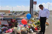 テキサス州銃乱射 死者22人に 犯行声明のネット掲示板閉鎖