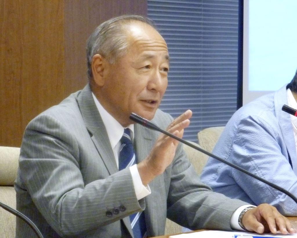 東京都内で開かれたシンポジウムに出席した河野克俊氏=9日午後