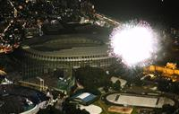 新国立競技場を照らす色とりどりの大輪 神宮外苑花火大会