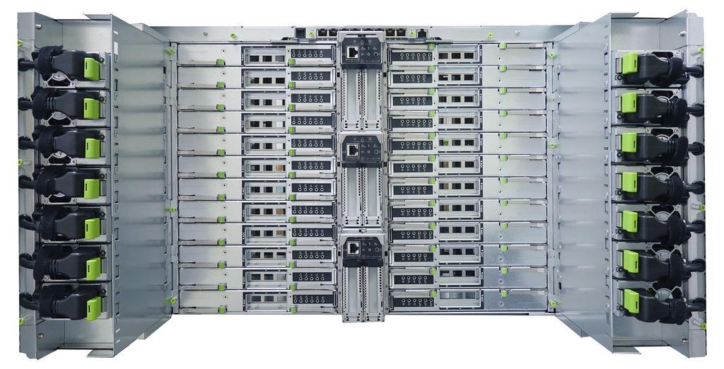 スーパーコンピューター「富岳」の試作機(富士通提供)